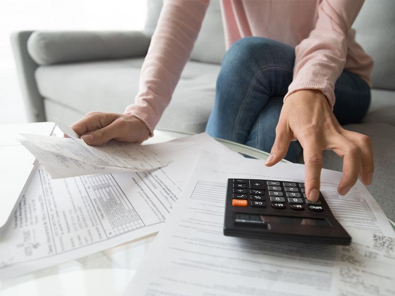 Woman calculator